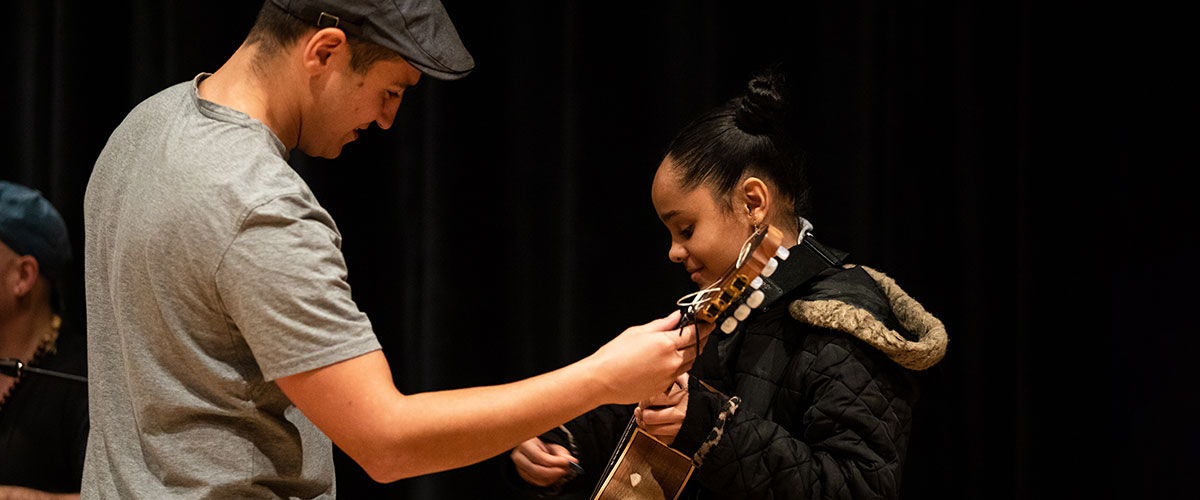 Dariel Peniazek Pictured with Student at workshop