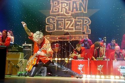 Siriusxm Christmas Music.The Brian Setzer Orchestra S Christmas Rocks Tour