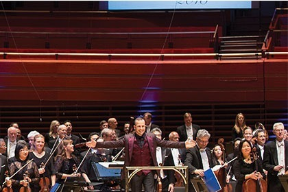 Yannick with the Philadelphia Orchestra