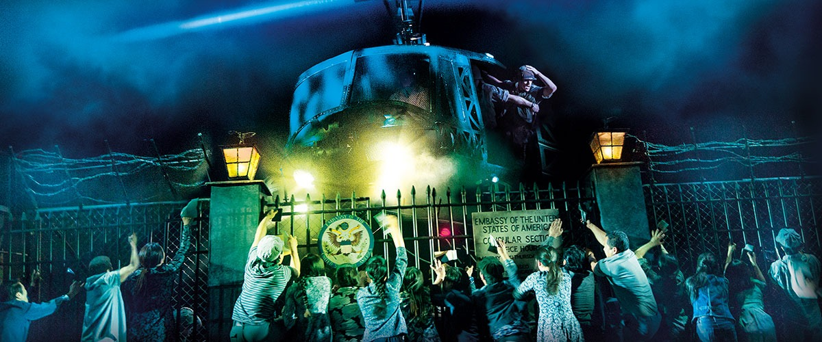 The helicopter lands in 'The Nightmare' in MISS SAIGON © Matthew Murphy