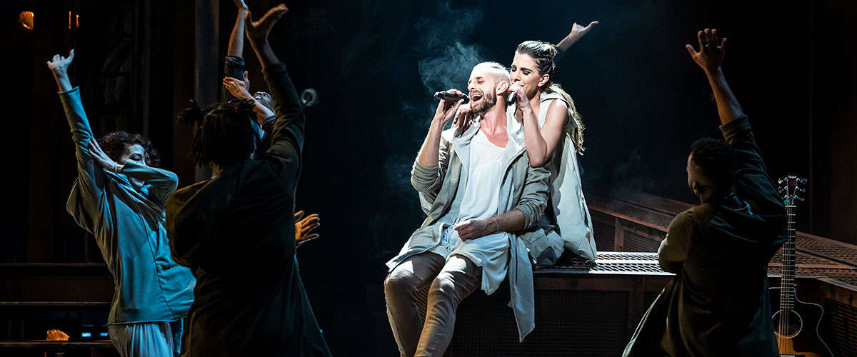 Aaron LaVigne and Jenna Rubaii and the company of the North American Tour of  JESUS CHRIST SUPERSTAR © Photo by Matthew Murphy